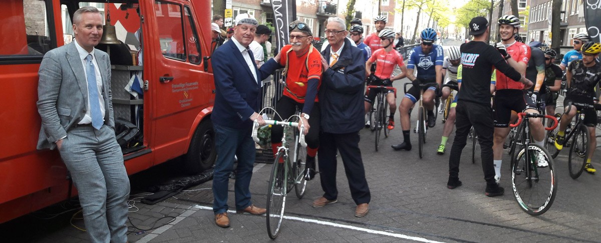 De-wethouder-en-Piet-en-NL-Crit-Boys